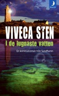sten-viveca-i-de-lugnaste-vatten